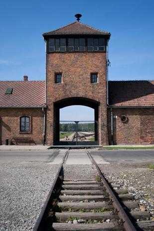 Entrance to Birkenau during Krakow Auschwitz tour