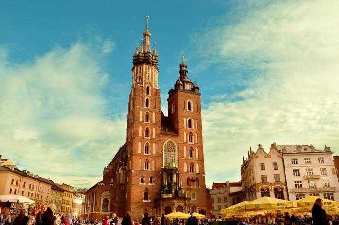 Krakow saint Mary church during guided tour
