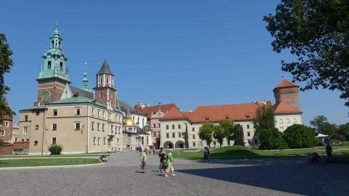 Wawel Hill during Krakow Cathedral tour