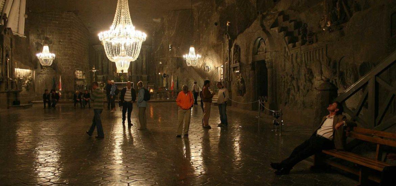 wykute wnętrze podczas wycieczki Wieliczka zwiedzanie kopalni soli